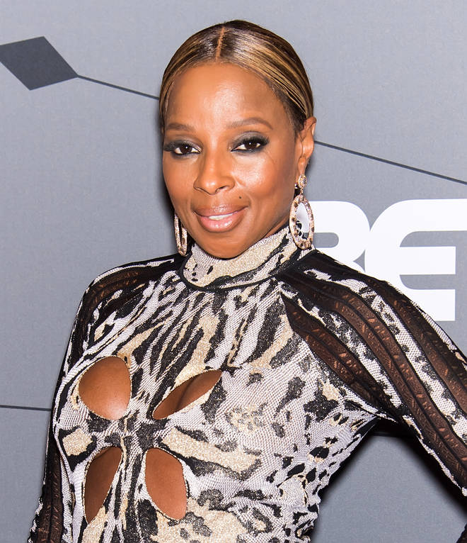 Mary J Blige is working with Diddy to produce a documentary about her life.