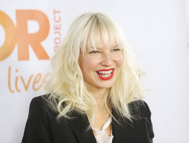 Sia has apologised for mistaking Cardi B for Nicki Minaj in a tweet.