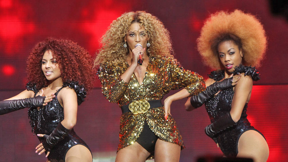 Why was Beyoncé's Glastonbury performance so controversial?