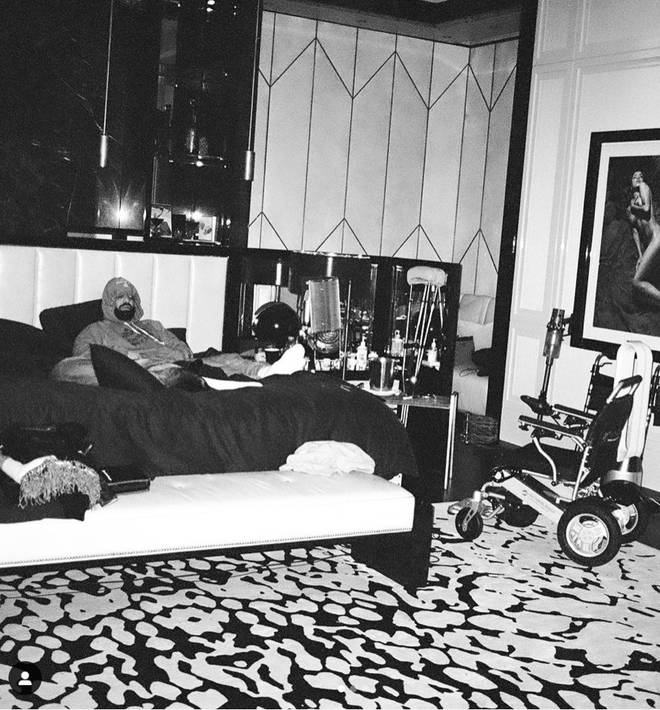 Drake shares a photo of him lying in bed recovering from his knee injury