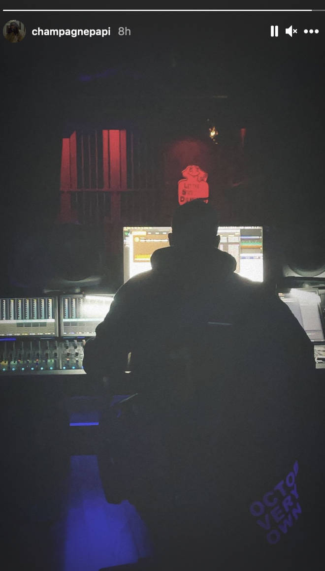 Drake shares a photo of himself in the studio