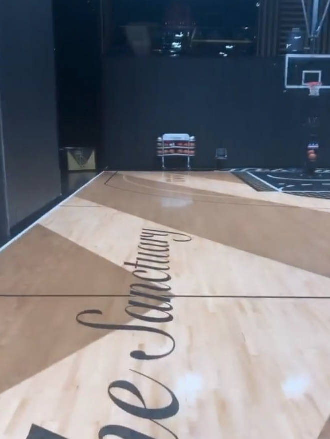 """Drake has a personalised """"OVO"""" basketball court in his mansion"""
