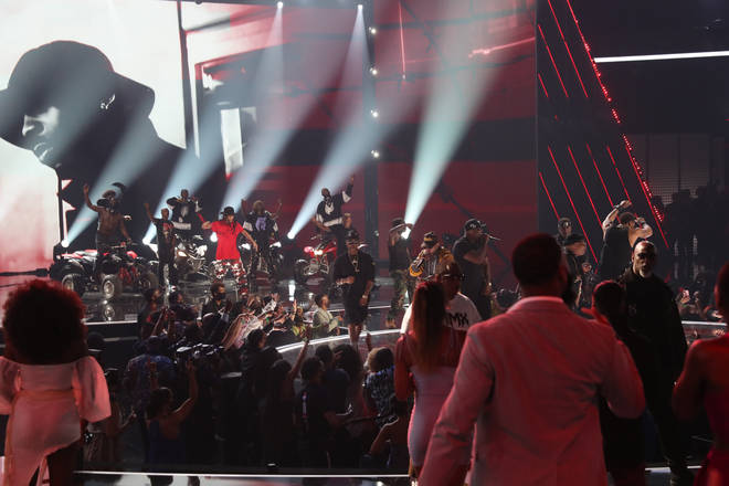 Busta Rhymes, Method Man, Swizz Beatz, Griselda and more took the stage for a touching DMX tribute at the BET Awards 2021.