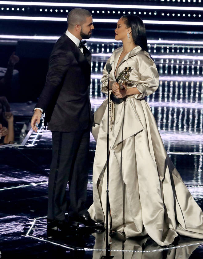 fans believe Drake was speaking about Rihanna on new track 'F*cking fans'