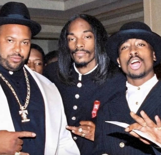 Snoop Dogg got nostalgic as he posted a throwback snap alongside Tupac and Suge Knight.