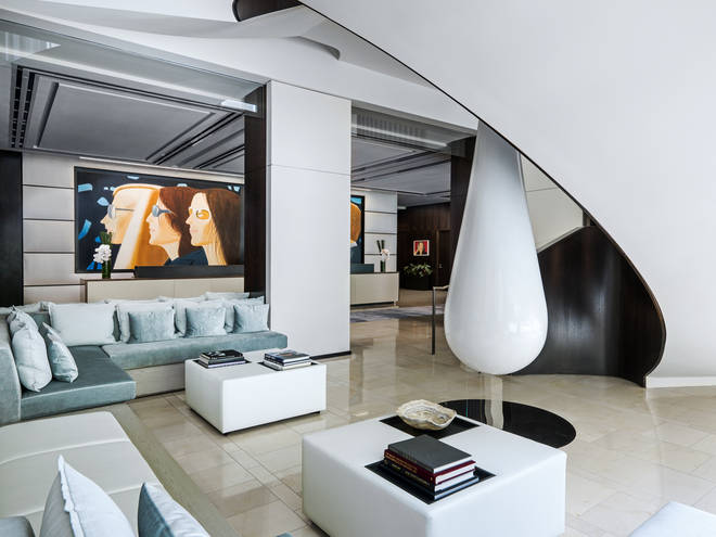 Live the life of luxury at The Langham New York Fifth Avenue.