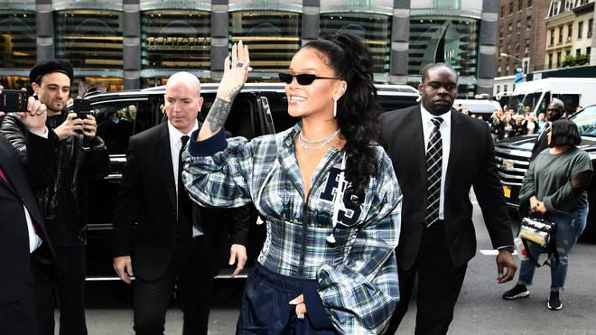 Rihanna Greets Fans