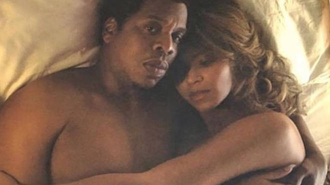 Beyonce and Jay Z in bed