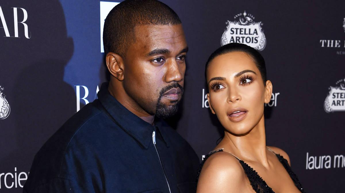 Kanye West apologizes to wife Kim Kardashian West on